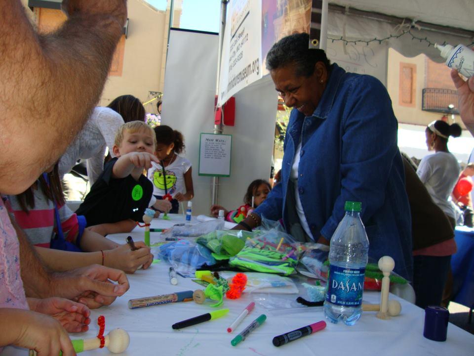 nedra at plaza art fair (2)