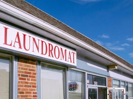 Laundromat-Local Pig-44